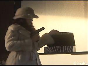 Dana DeArmond gets her muff played with