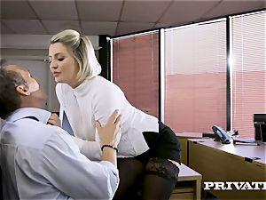 Private.com british honey Sienna Day pummels her chief