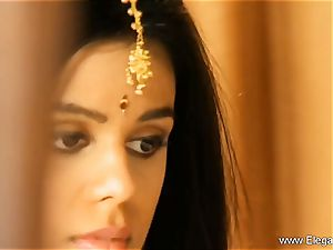 Exotic Loveliness From Indian milf Born To tempt