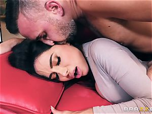 mischievous bodacious gigantic backside cougar Lela star takes on Keirans penis
