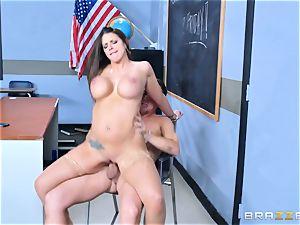 Brooklyn chase pulverizes her schoolgirl Jessy Jones