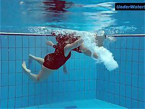 2 molten teens underwater