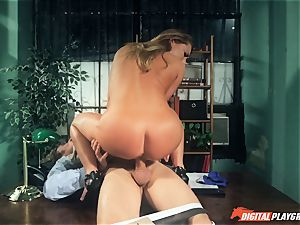 Carter Cruise plowed stiff over the table