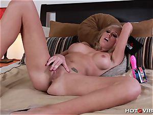 Her explosive ejaculation makes her jiggle