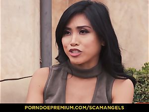 SCAM ANGELS - Melissa Moore and super-hot friends in four way