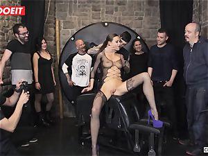 british honey Tina Kay Gets servant