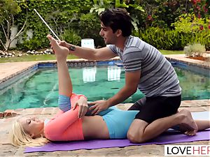 LoveHerFeet - sole worshiping Yoga Class
