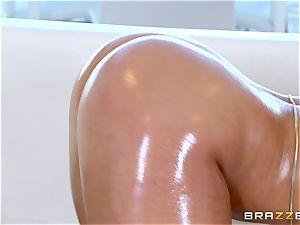 Abella Danger - My oiled ass in danger