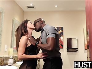 sumptuous India Summers rockets after chomping down big black cock