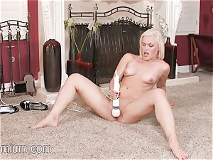 Ash Hollywood loves to grope her raw cootchie with a vibro