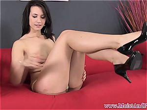 sweetie Carrie gives her hairless pussy some solo enjoying
