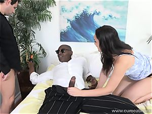 Paisley Parker Gets dark-hued trunk and husband gobbles Up cum