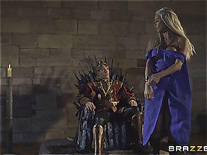 Daenerys Targaryen gets ravaged by Jon Snow on the metal Throne