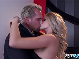 Jessa Rhodes saucy tight cunny is drilled by a giant bone