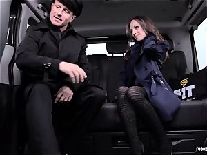humped IN TRAFFIC - stellar Czech babe bangs in the car