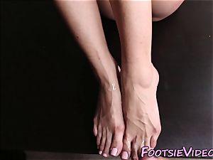 feet worshipped fetish ho