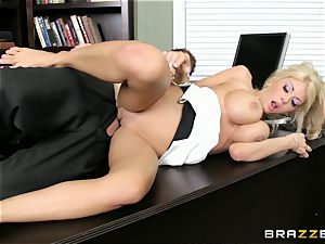 Stand in chief Kayla Kayden gets her worker following rules