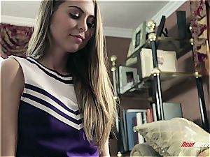 Cheerleader stepdaughter knows what parent luvs