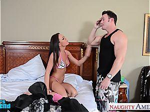 Ravishing Rahyndee James slides up and down his man meat