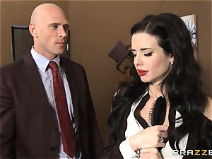 Veronica Avluv gets messy in the office and her boss finds out