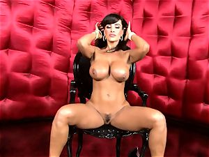 super-sexy Lisa Ann exposes her yam-sized sweet bumpers