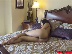 deepthroating ebony hoe luvs it raunchy